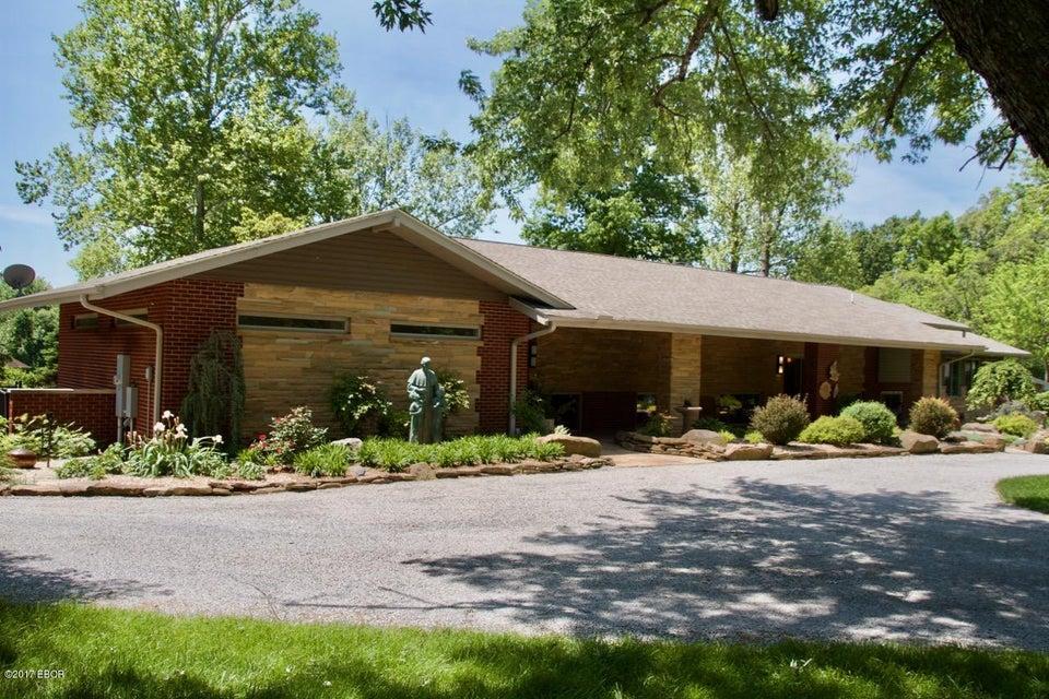 800 W Brewster Road, Herrin, IL 62948