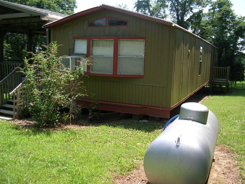 MLS#:414686 Address:  8 Bowed Tree Rd Eddyville 62928