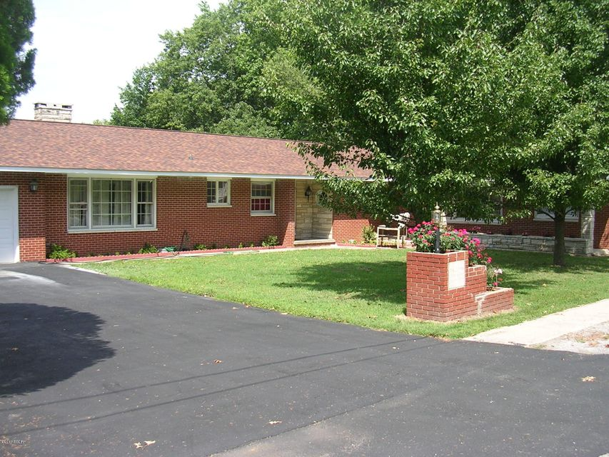 MLS#:415321 Address: N 805 6th Street Vienna 62995