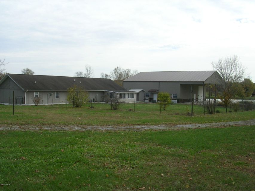 MLS#:417039 Address:  1805 Old Rt 146 Loop Vienna 62995