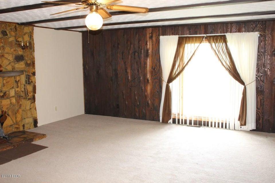 MLS#:419607 Address:  17204 Log Cabin Marion 62959