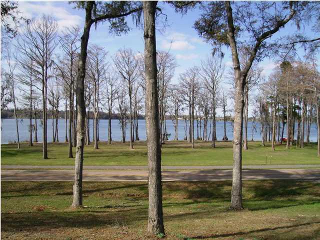 000 Lake Drive