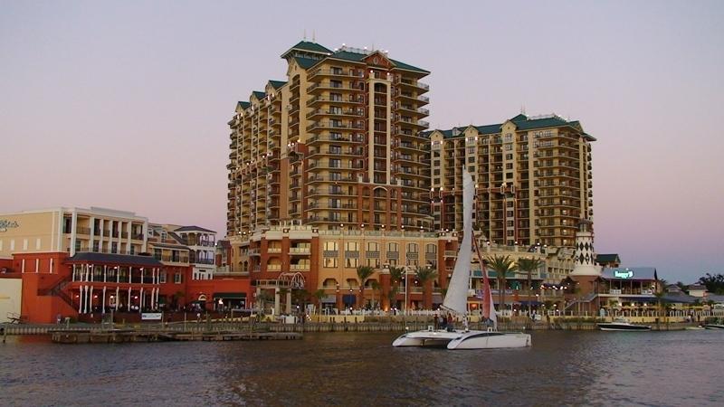 10 Harbor Boulevard