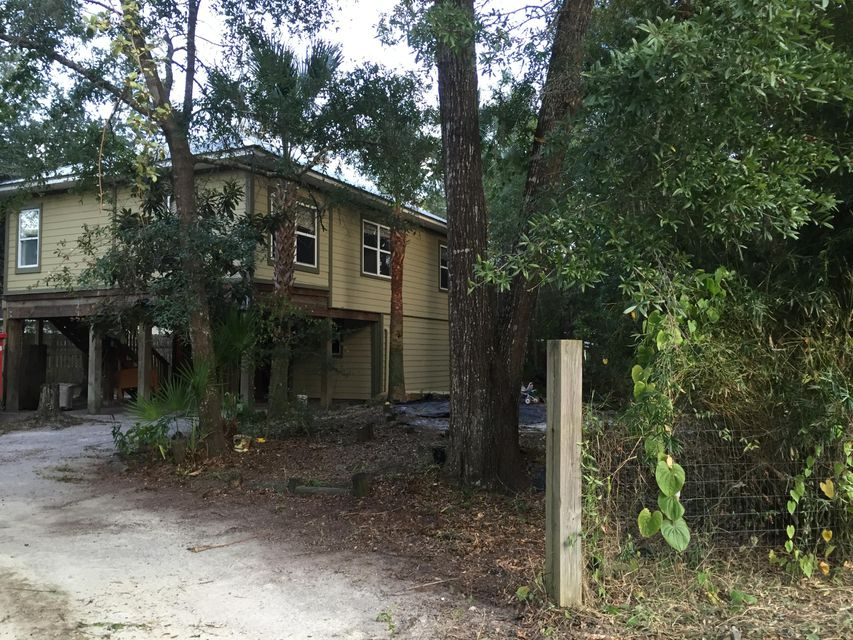 Photo of home for sale at 21 Stillwater, Freeport FL