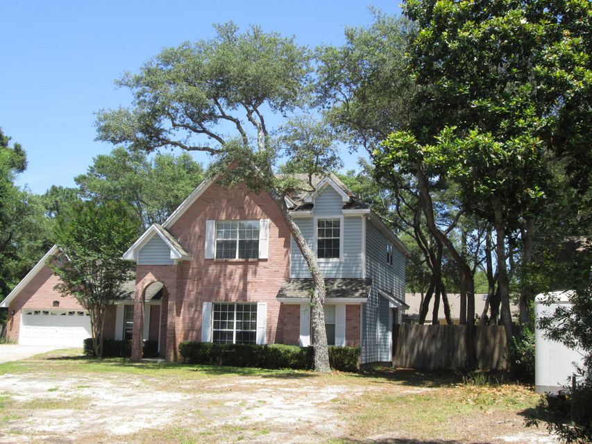 Photo of home for sale at 617 Samana Way, Niceville FL