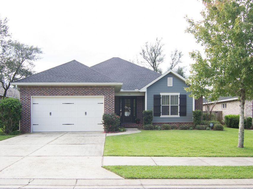 Photo of home for sale at 151 Black Bear, Niceville FL