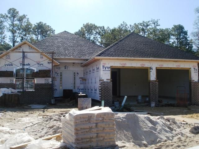 Photo of home for sale at 730 Woods, Niceville FL