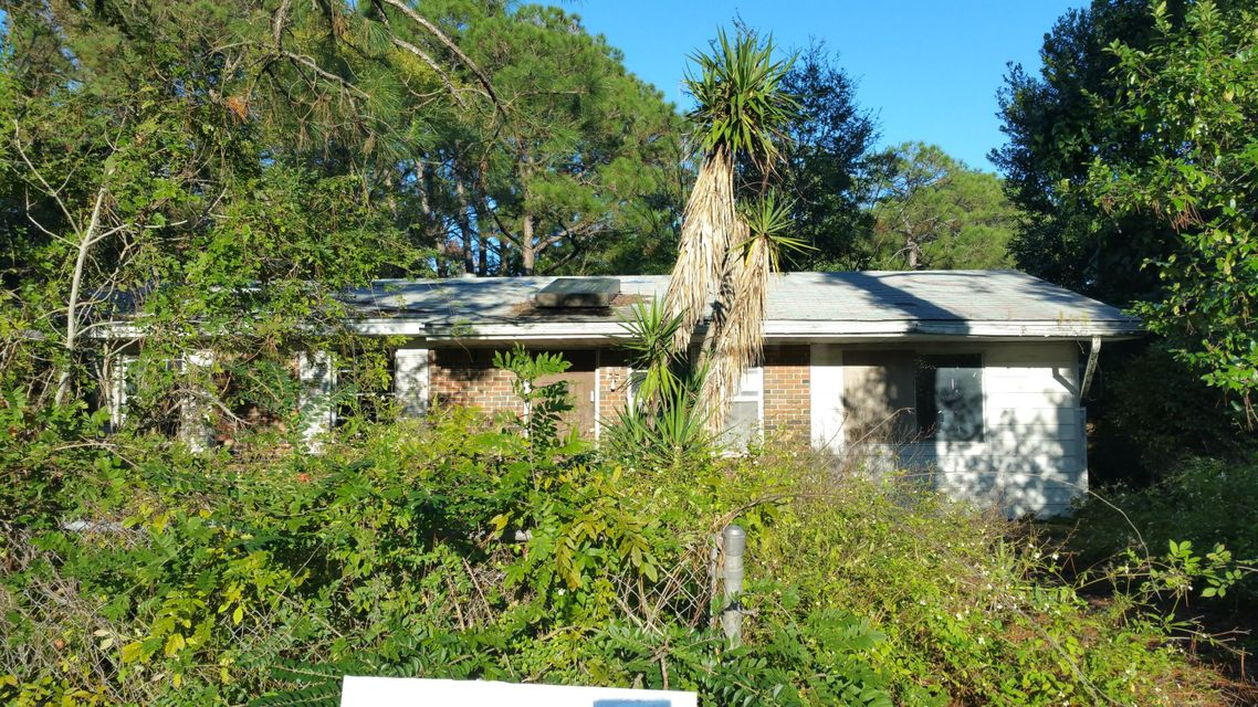 Photo of home for sale at 200 Ajax, Fort Walton Beach FL