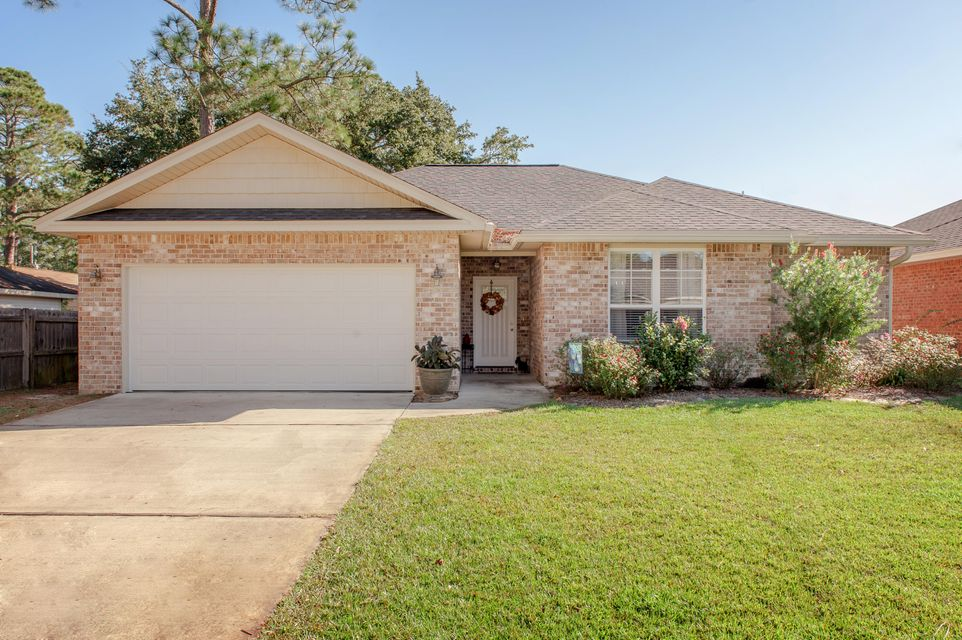 Photo of home for sale at 1751 Thomas, Niceville FL