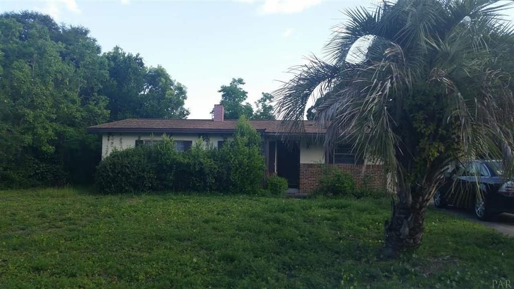Photo of home for sale at 340 Linda, Fort Walton Beach FL