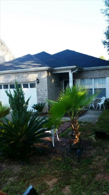 Photo of home for sale at 2457 Lakeview, Crestview FL