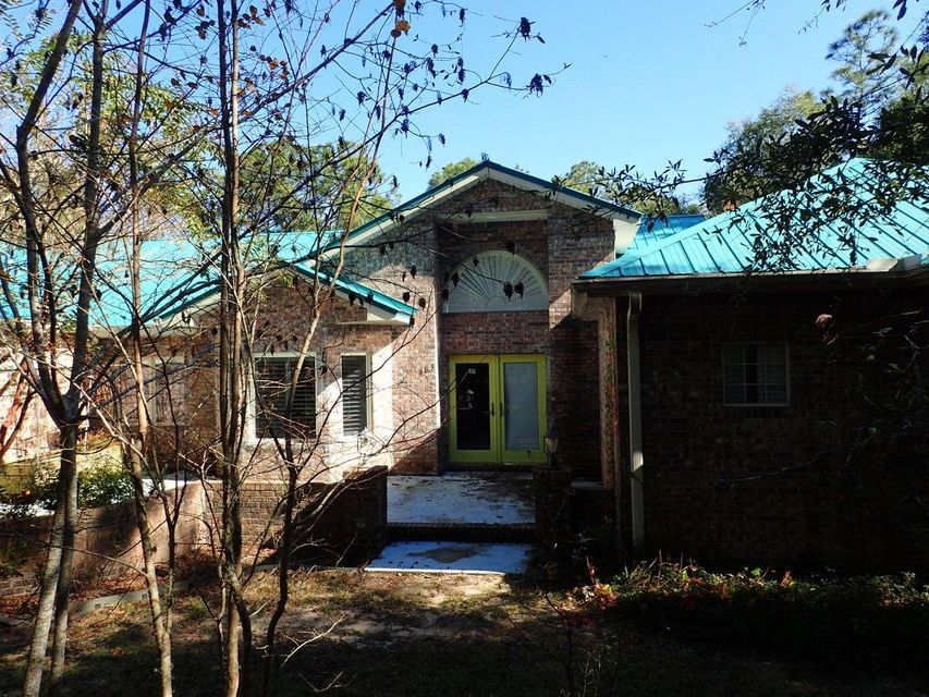 Photo of home for sale at 863 Corbin Gainey, Defuniak Springs FL