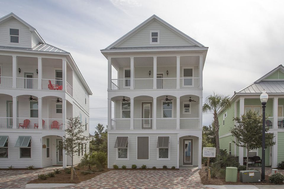 Photo of home for sale at 199 Grand Key Loop, Destin FL