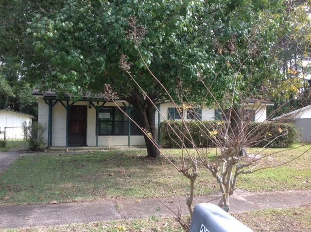 Photo of home for sale at 260 Anderson, Mary Esther FL