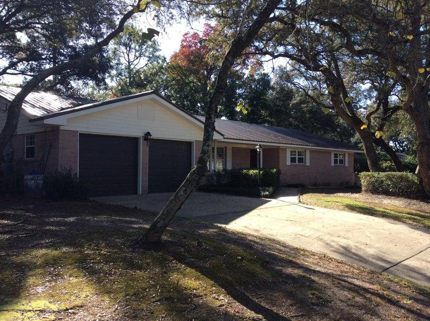 Photo of home for sale at 118 Priscilla, Fort Walton Beach FL