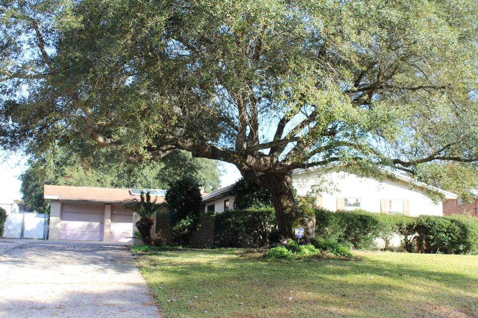 Photo of home for sale at 207 Priscilla, Fort Walton Beach FL
