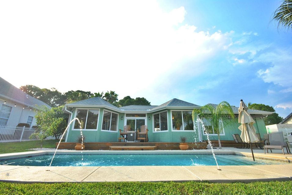 Photo of home for sale at 415 Wahoo, Panama City Beach FL