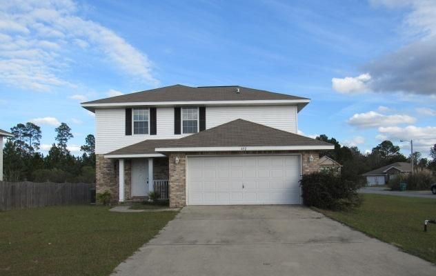 Photo of home for sale at 402 Plate, Crestview FL