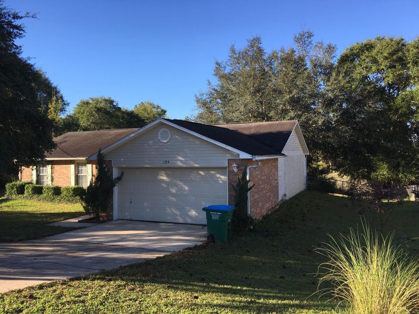 Photo of home for sale at 135 Louise, Crestview FL