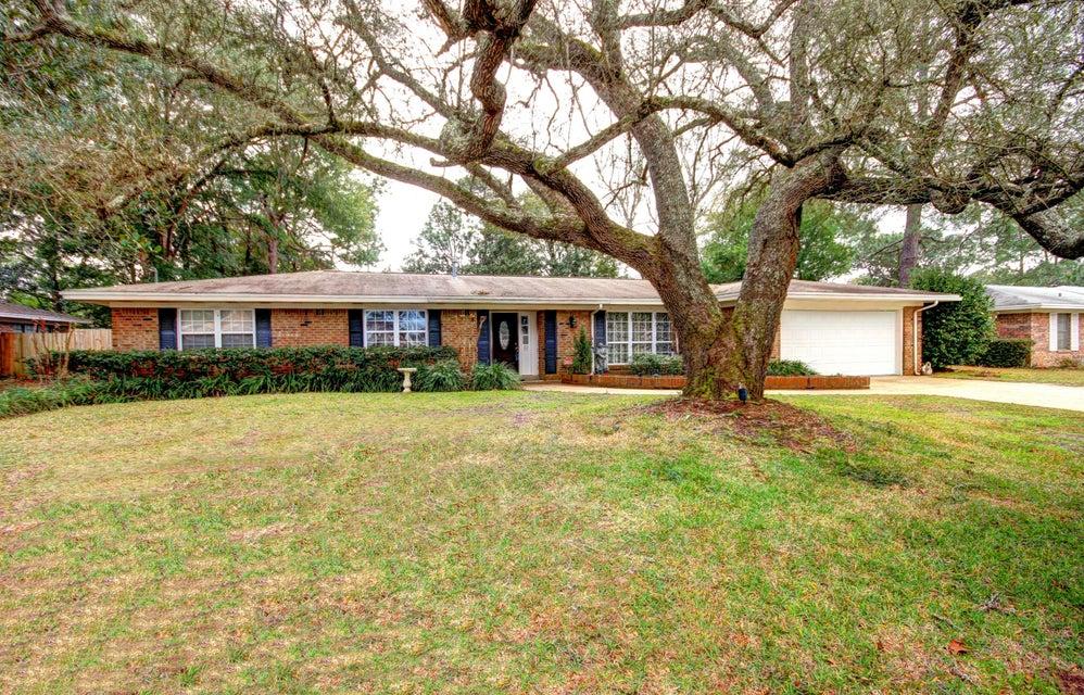 Photo of home for sale at 10 Poplar, Shalimar FL
