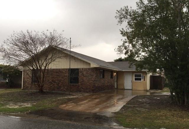 Photo of home for sale at 181 Bent Arrow, Destin FL