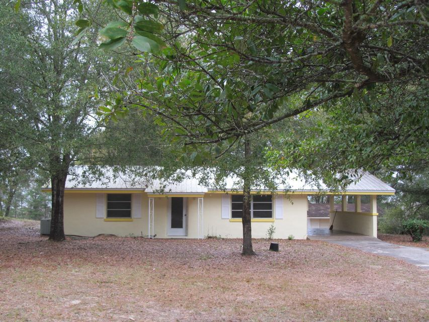 Photo of home for sale at 117 Lakeview, Defuniak Springs FL