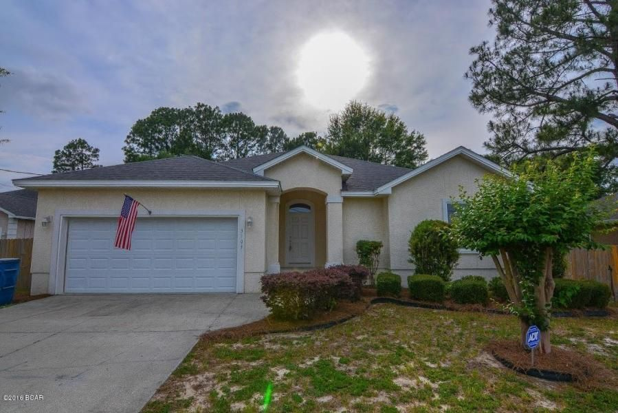 Photo of home for sale at 3103 Frankford, Panama City FL