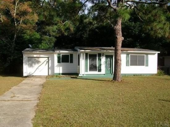 Photo of home for sale at 400 Forest Park, Pensacola FL