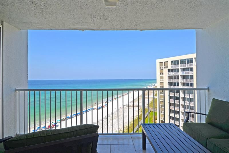 Photo of home for sale at 900 Gulf Shore, Destin FL