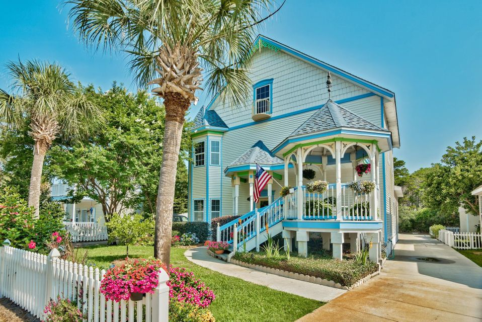 Photo of home for sale at 4589 Woodwind, Destin FL