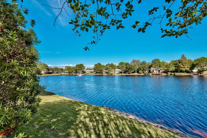 Photo of home for sale at 2085 Olde Towne, Miramar Beach FL