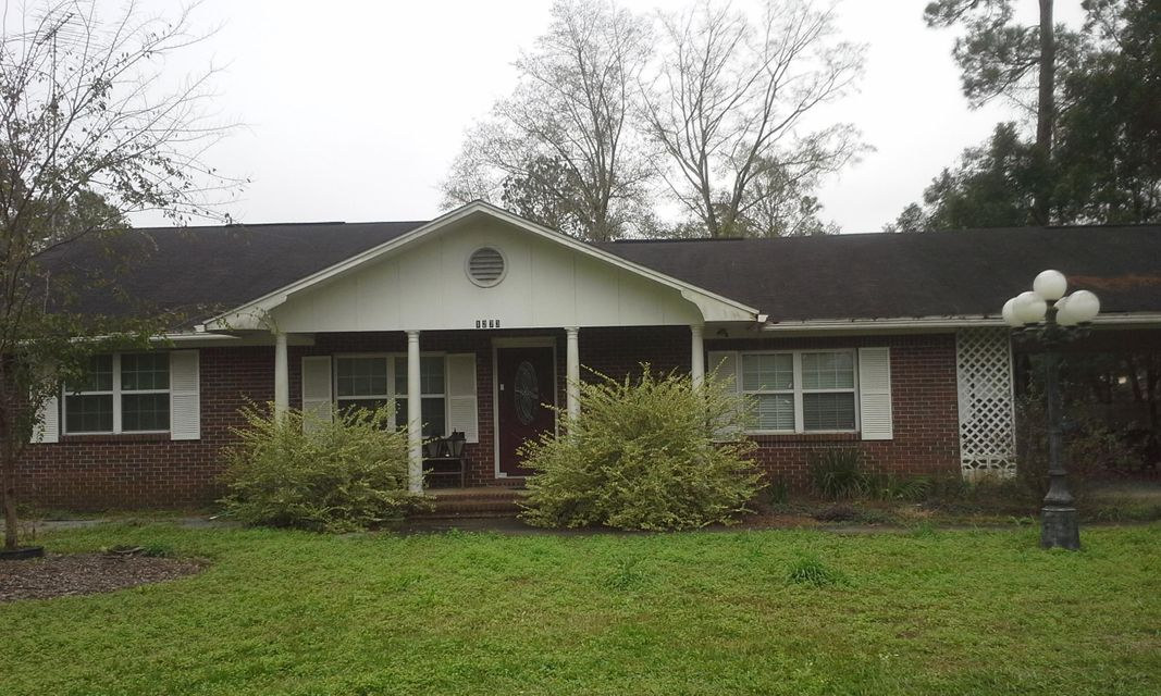 Photo of home for sale at 1273 South Blvd, Chipley FL