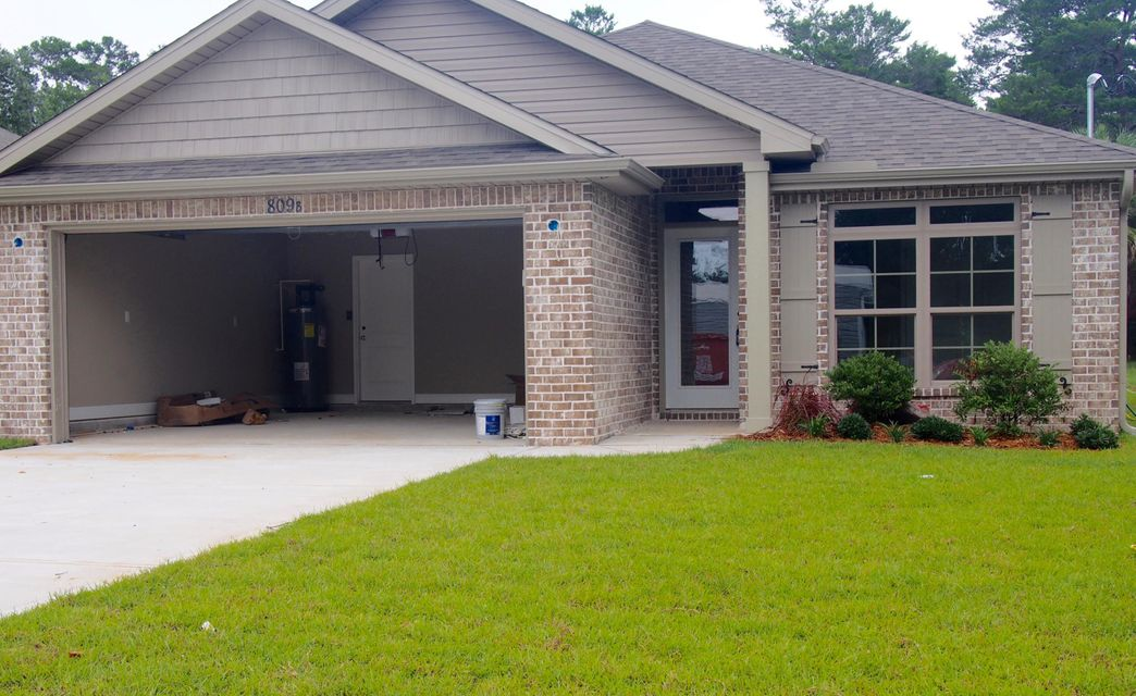 Photo of home for sale at 809 B Cardinal, Fort Walton Beach FL