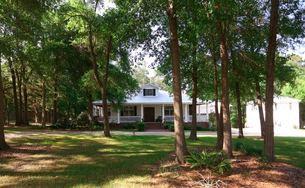 250 Aplin Road, Crestview, FL 32539