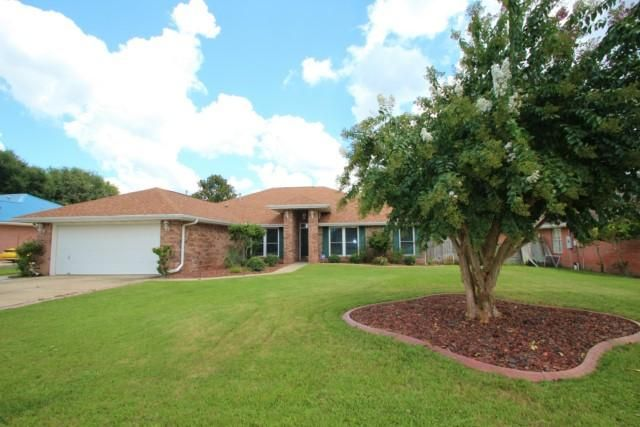 Photo of home for sale at 413 Riverchase, Crestview FL