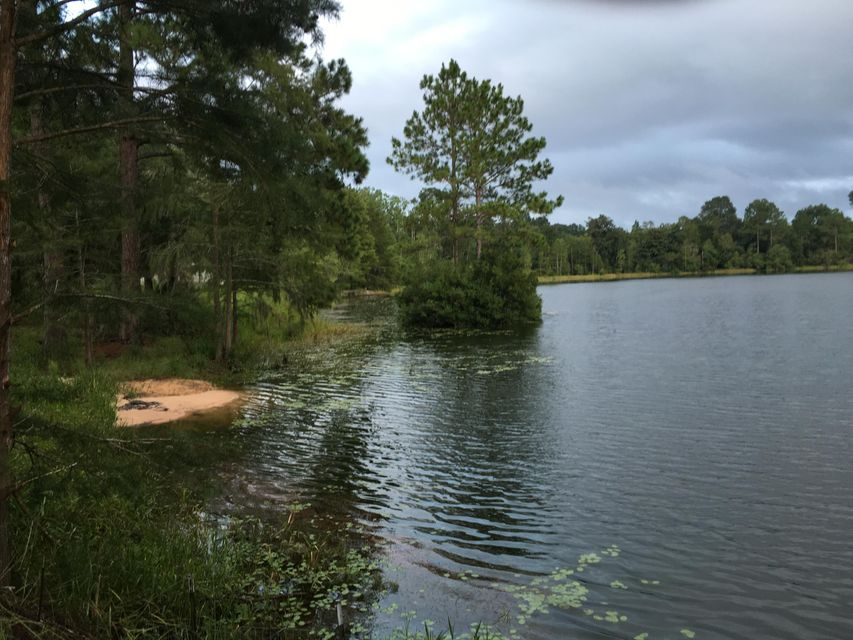 33 PIKE POND Road, Chipley, FL 32428