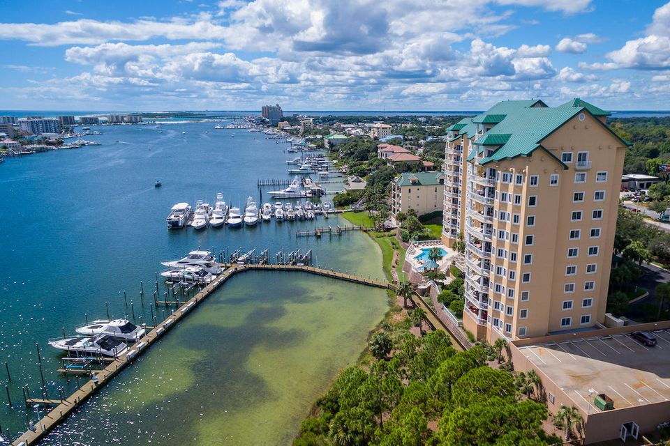 A 4 Bedroom 4 Bedroom Grand Harbor Condominium