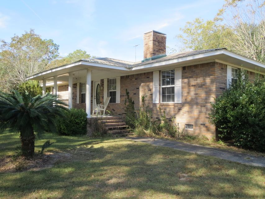 932 Tri County Road, Graceville, FL 32440