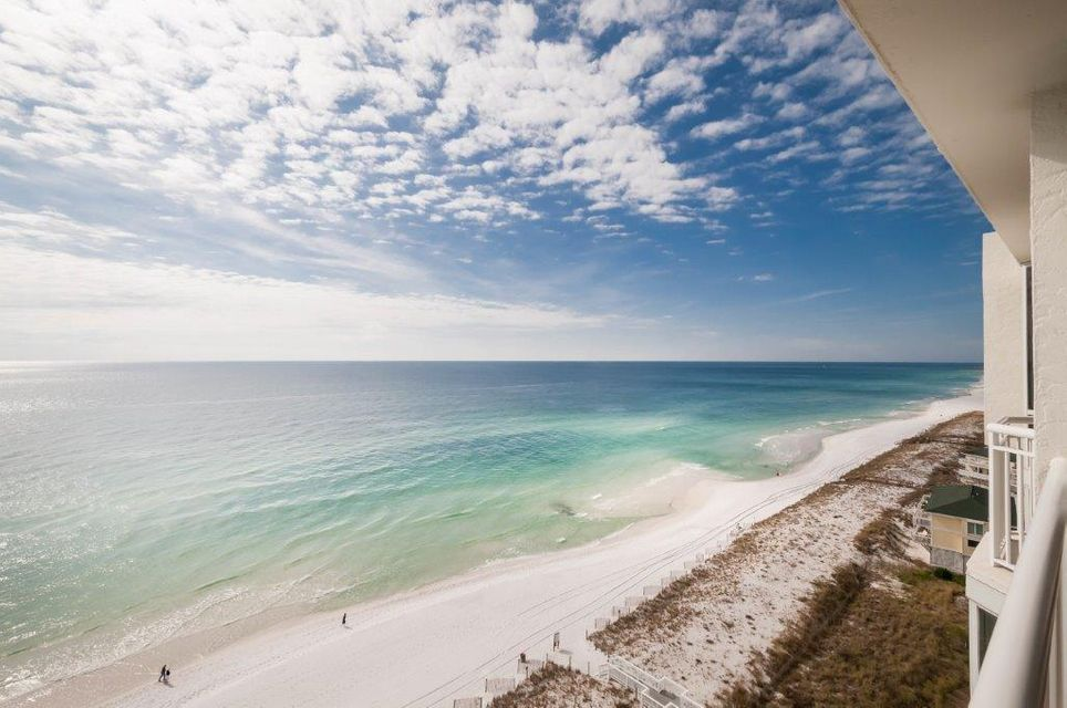 Photo of home for sale at 830 Gulf Shore, Destin FL