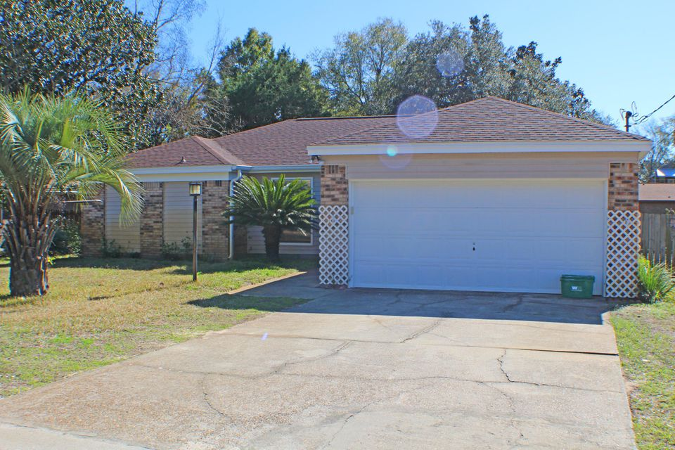122 Oak Shores Drive, Niceville, FL 32578