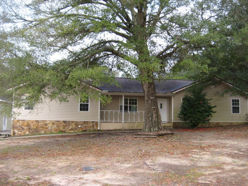 Photo of home for sale at 2002 Pearl, Crestview FL