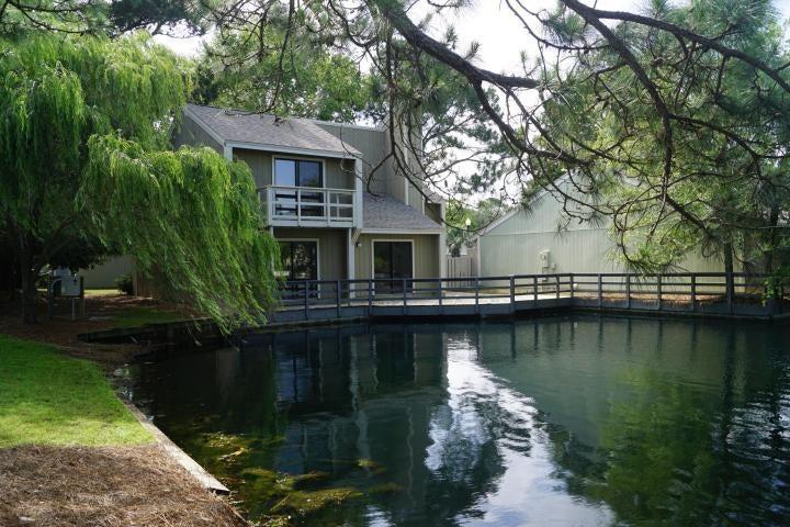 Photo of home for sale at 483 Linkside, Destin FL