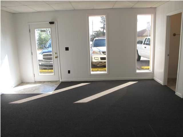 919 Hospital Drive, Niceville, FL 32578