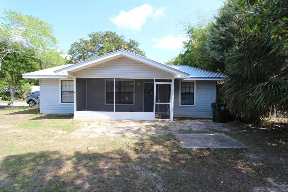 58 W Sloss Avenue, Defuniak Springs, FL 32433