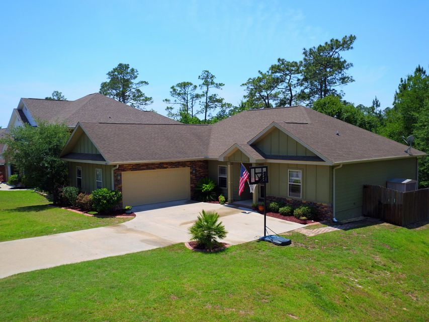 Photo of home for sale at 4568 Hermosa, Crestview FL