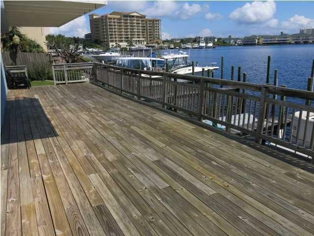 22 Moreno Point Road UNIT 09, Destin, FL 32541