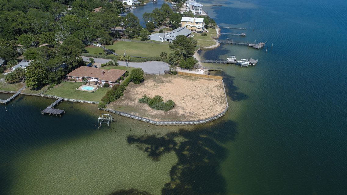 Photo of home for sale at 208 Hood, Fort Walton Beach FL