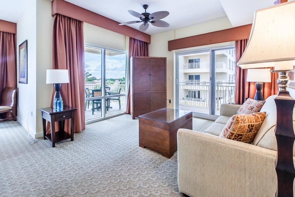 A 2 Bedroom 2 Bedroom Luau Ii Condominium