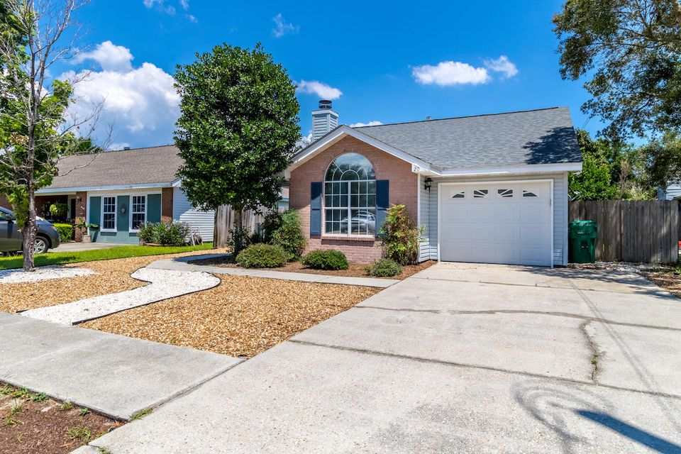 20 Pine Ridge, Destin, FL 32541