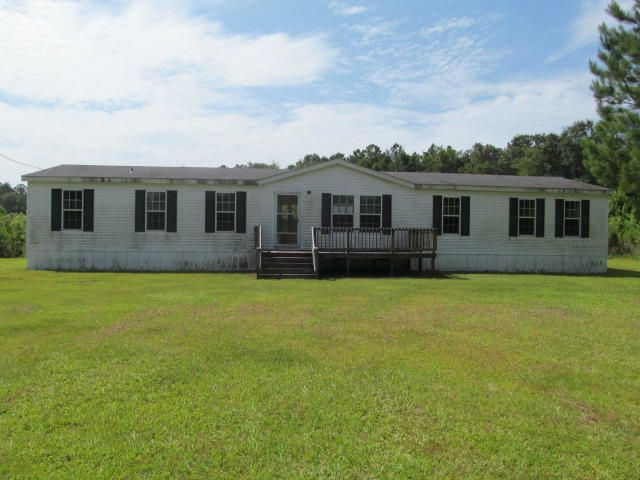 2565 Holmestead, Bonifay, FL 32425